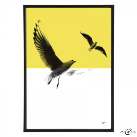 Minimal_Beach_Seagulls_Yellow